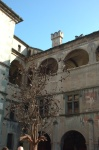 Castello di Issogne: la fontana del melograno