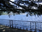 Il lago dalla passeggiata da Villa Erba