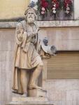 Monumento al Parmigianino nella piazza della Steccata
